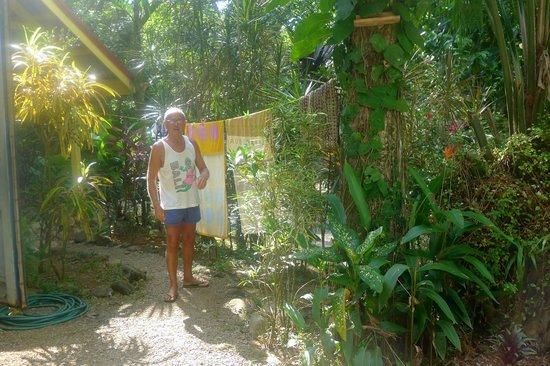 B and J Cabins: giardino