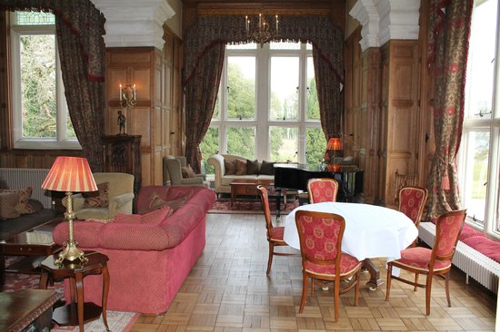 Lough Rynn Castle Estate & Gardens: Bar