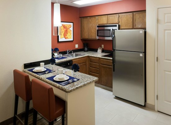 Residence Inn San Diego Downtown: Our spacious kitchen in every suite.