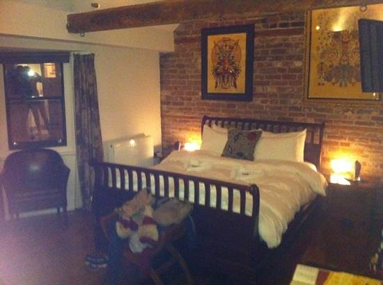The Griffin Guest House: lovely room
