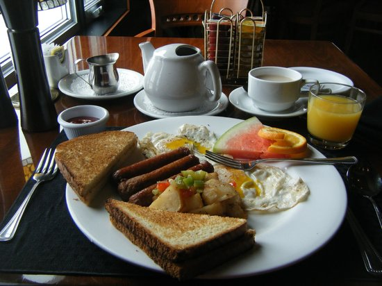 Encore @ Inn On The Lake: yummy breakfast