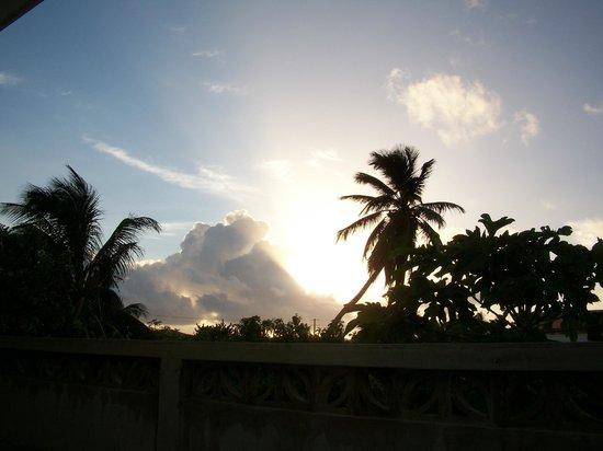 Marin's Guesthouse: sunrise from the sun cabana porch