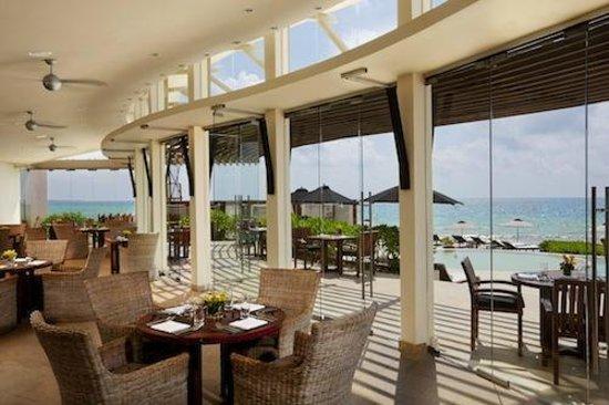 Indoor and Outdoor Seating at Punta Bonita - Rosewood Mayakoba