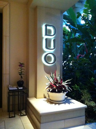Duo Steak & Seafood: entrance