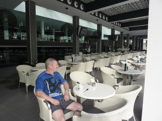 Flash Hotel Benidorm: hotel bar area