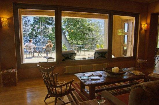 Luma Casa de Montana: Estar y terraza