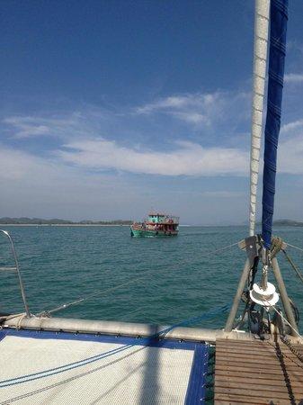 SY Nakamal Sail and Dive Charters: Sailing...