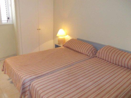 Hotel Ocean Ponderosa: Bedroom.