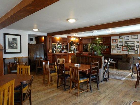 The George Inn: Dining area