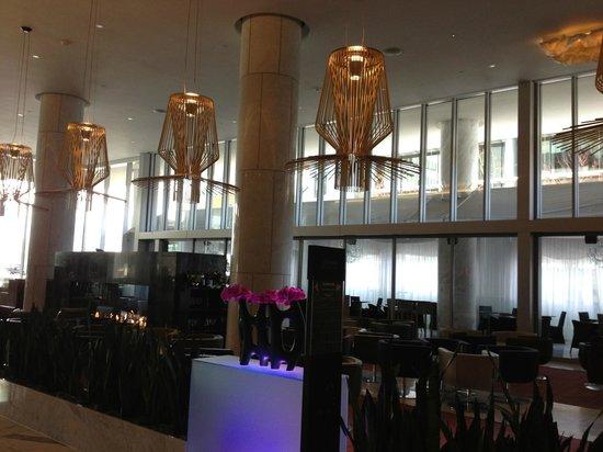 Fairmont Pacific Rim: Hotel