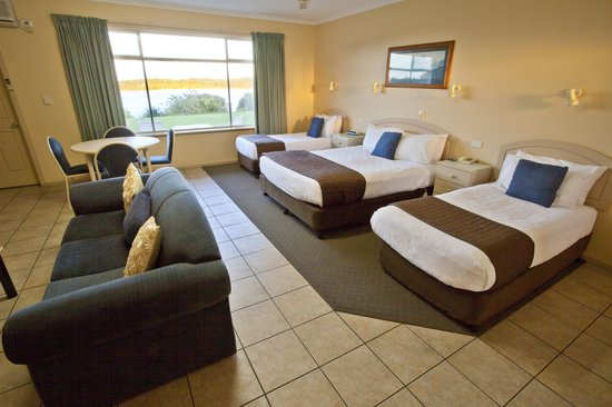 Lakeview Motel: Family Room