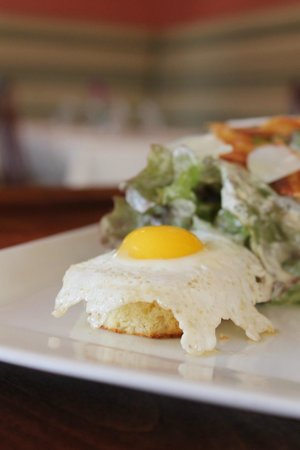 Hob Nob Restaurant: Baby Romaine Salad