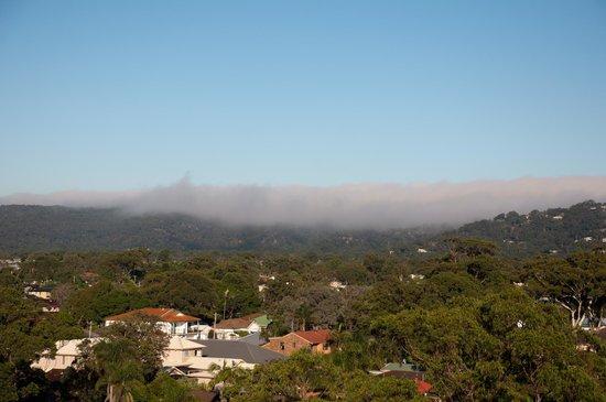 Mantra Ettalong Beach: Early morning Hinterland fog