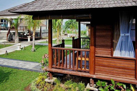 Aman Gati Hotel Balangan : Bungalow outside