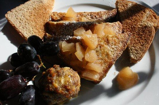 Laurel Springs Lodge B&B: Breakfast sides