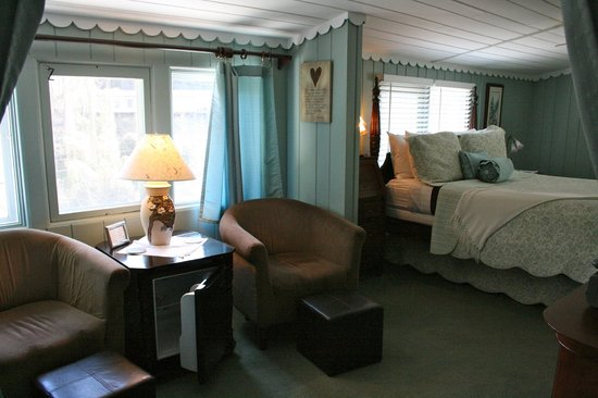 Laurel Springs Lodge B&B: The Dogwood Room