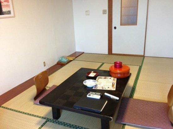 Ryokan Fukuzen: 一般的な客室