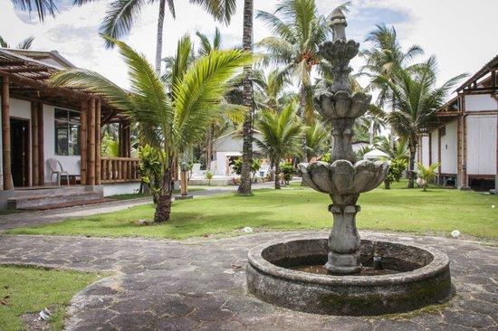 Hosteria El Rampiral: Jardín