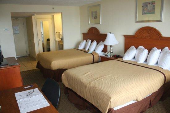 BEST WESTERN PLUS Holiday Sands Inn & Suites: Comfortable room
