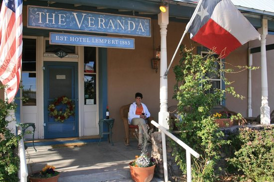 VERANDA HISTORIC INN: Greetings!