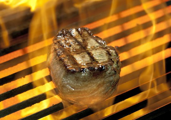 Steakhouse Faustino's: Grilling the perfect Steak