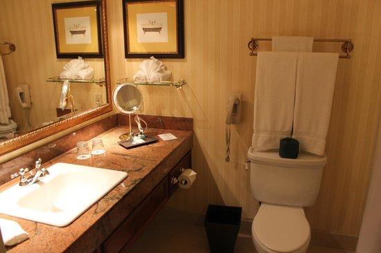 Lafayette Park Hotel & Spa: Bathroom