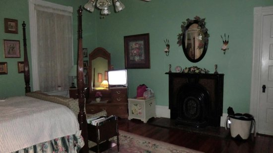 Mistletoe Bough Bed and Breakfast: Andrea's Room