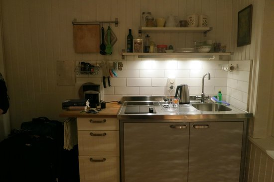 Skuteviken Guesthouse: Kitchenette