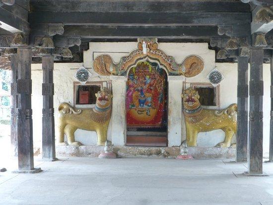 Embekke Devalaya : Hindu Temple