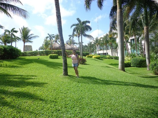 Ocean Breeze Riviera Maya Hotel: Cerca de la pileta del Mayan Palace