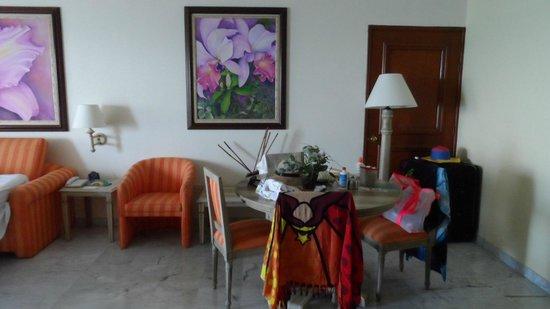 GHL Hotel Sunrise: living suite 89-35