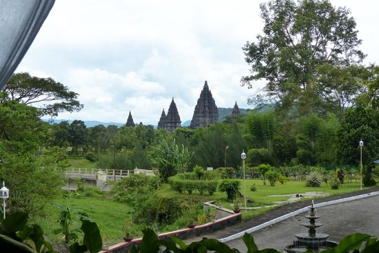 Poeri Devata Resort Hotel : uitzicht vanuit diningroom