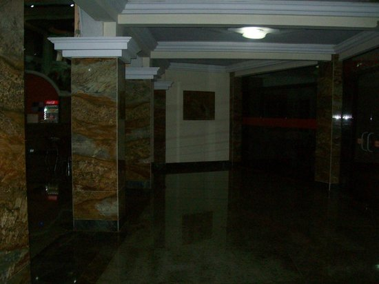 Iguassu Holiday Hotel: Hall del hotel