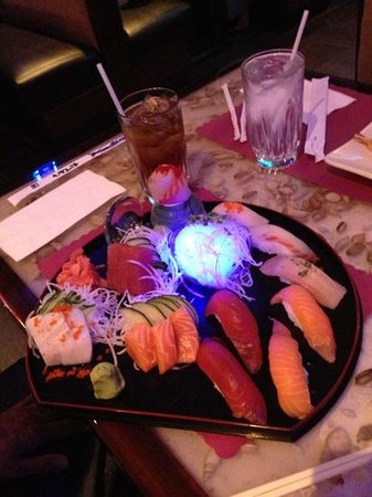 Crazy Cafe : My boyfriend's sashimi!