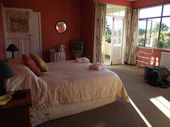 Off The Rails Cycle Tours: our sunny room