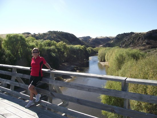 Off The Rails Cycle Tours: Otago Rail Trail scenery