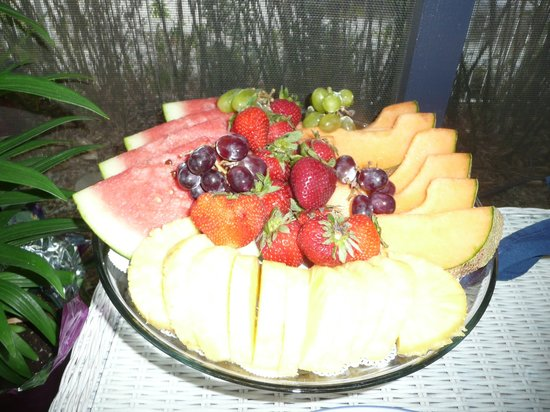 Inn Shepard's Park Bed and Breakfast : Fresh fruit tray