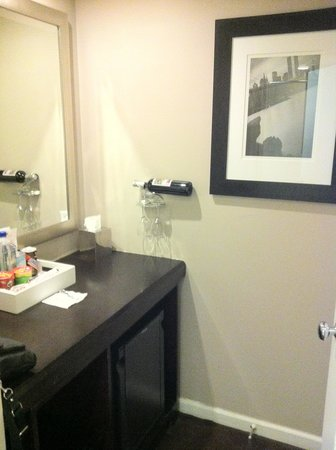 The Court – A St Giles Hotel: Wet-bar closet Nook
