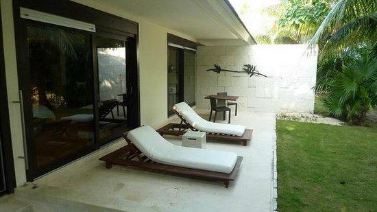 Blue Diamond Riviera Maya: room patio