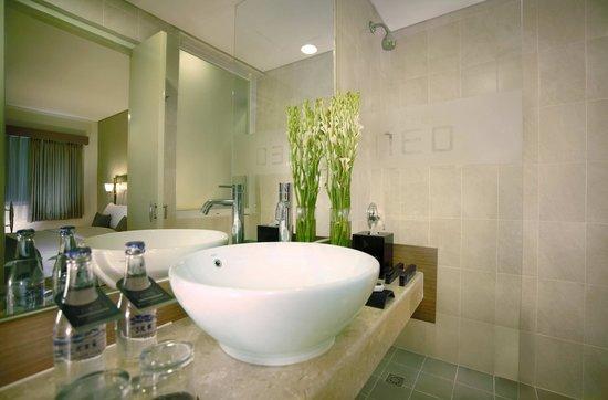 Hotel Neo Kuta Jelantik: Bath Room