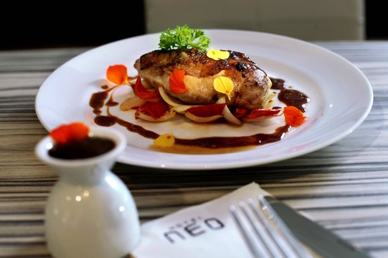 Hotel Neo Kuta Jelantik: Grilled Chicken
