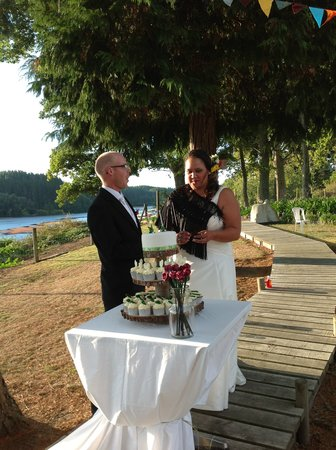 Kohutapu Lodge & Tribal Tours: Beautiful setting for the bride and groom March 2013
