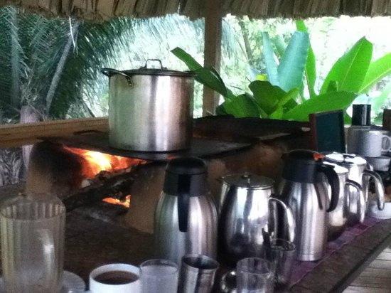 duPlooy's Jungle Lodge: Morning coffee station