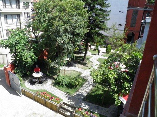 Hotel Blue Horizon: Garden