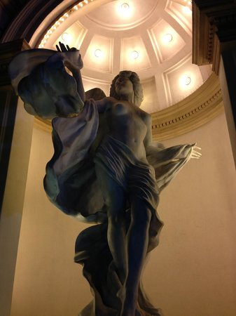 Casino at the Monte Carlo Resort : Statue at entrance...
