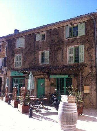 L'Auberge de Baudinard : la façade de l'auberge