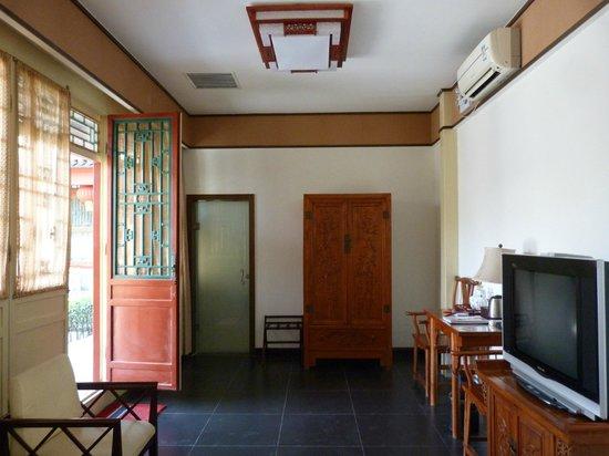 Jingyuan Courtyard Hotel: room
