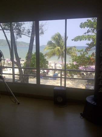 Maximum Fitness & Combat Center: MFCC on Patong Beach - the Yoga Room