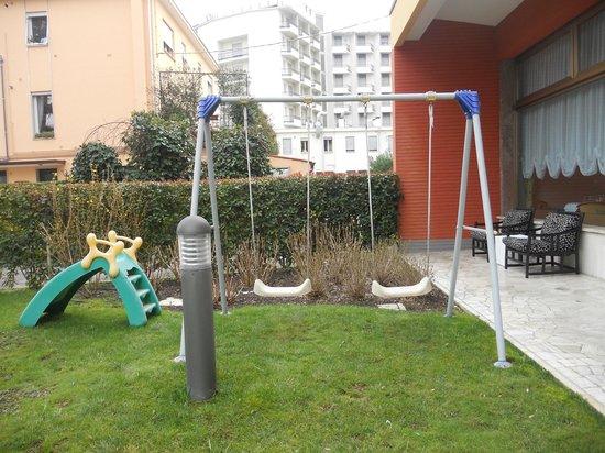 Columbia Terme Hotel : jardin