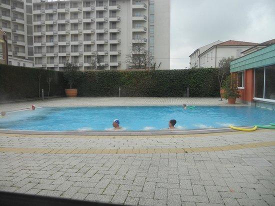 Piscine bild von columbia terme hotel abano terme - Hotel fontainebleau piscine ...